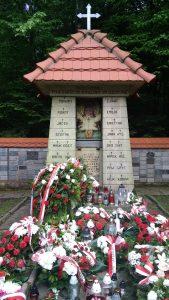 pomnik poległych Ponury
