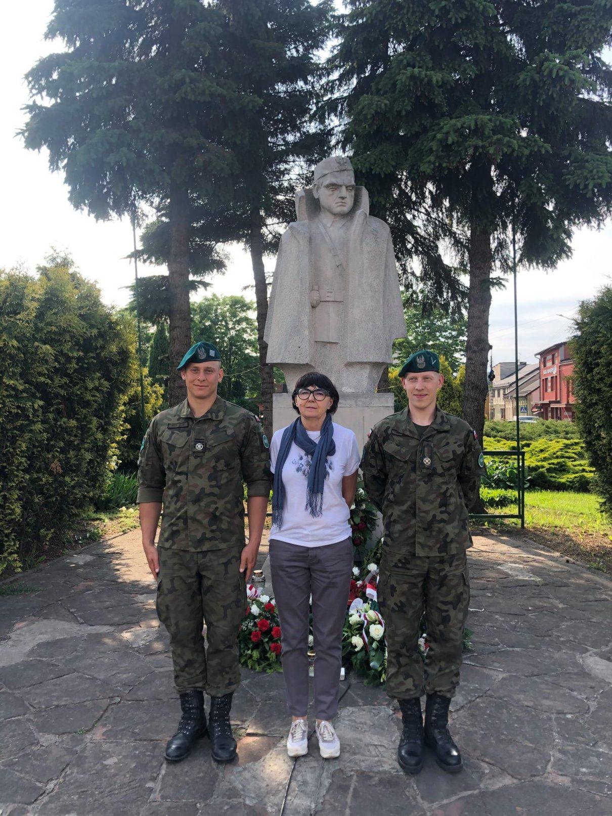pod pomnikiem Jana Piwnika Ponurego S3WAT