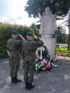 Jan Piwnik Ponury - pomnik i żołnierze S3WAT
